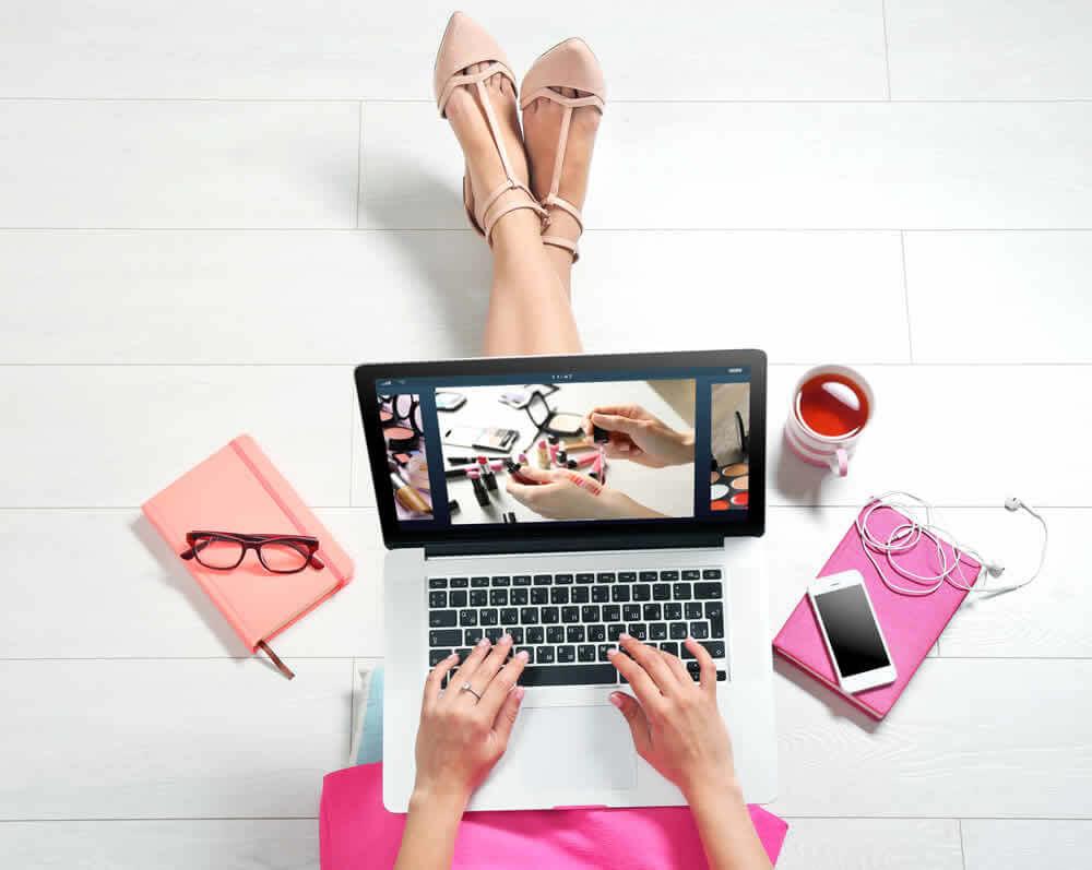 Có nên mua mỹ phẩm trên mạng? Phân tích những mặt lợi và hại-1