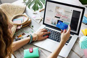 Có nên mua mỹ phẩm trên mạng? Phân tích những mặt lợi và hại
