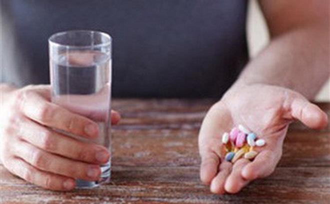Có nên uống nhiều loại thực phẩm chức năng cùng một lúc?-1