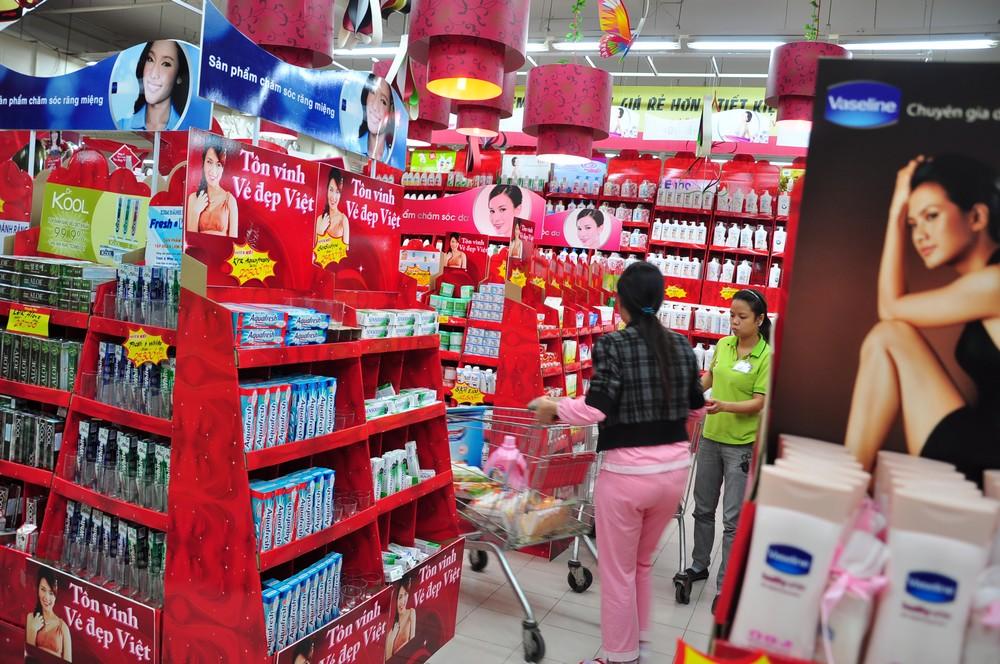 Có nên mua mỹ phẩm ở siêu thị không?
