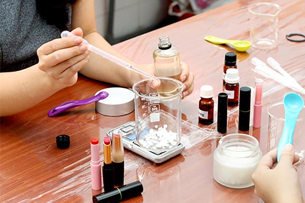 Nguyên liệu dùng làm mỹ phẩm quan trọng như thế nào?